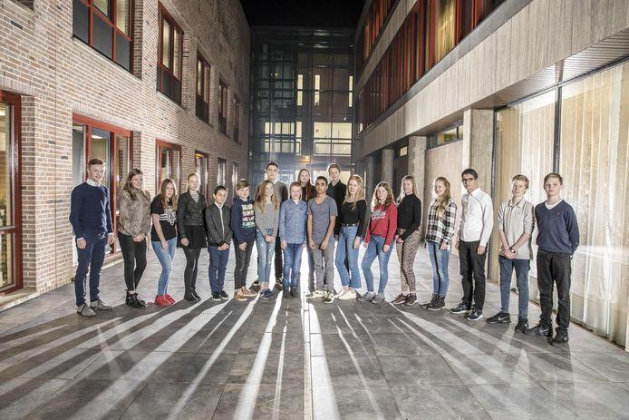 In 2017 werd de Jeugdraad Oldenzaal geïnstalleerd. Maar een uitbreiding van het politiek forum met een extra plek voor een jongere gaat de raad vooralsnog te ver.