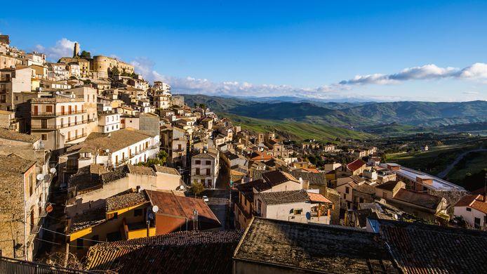 Cammarata, un petit village niché dans les montagnes, se situe dans la région d'Agrigente, dans le centre de la Sicile.