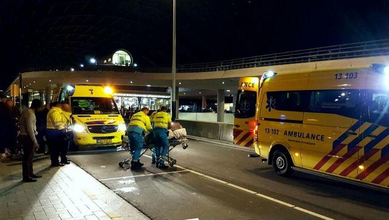 De politie heeft in de nacht van zaterdag op zondah meer dan dertig aanhoudingen verricht. Beeld Politie Amsterdam Centrum-Burgwallen