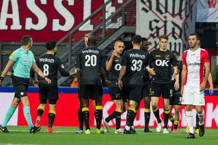 NAC viert de 0-1 bij FC Emmen.
