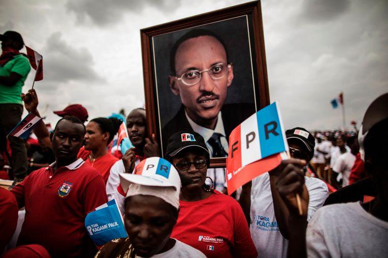 Kagame bouwt in veel opzichten een modern land, maar de cijfers van zijn verkiezingsoverwinningen komen haast archaïsch over. Bijna 99 procent van de stemmen kreeg hij vorig jaar officieel. De grondwet is aangepast zodat hij kan aanblijven tot 2034 Beeld AFP