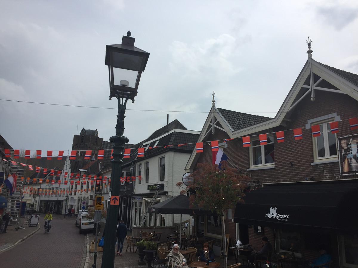 Bij de Veldpoort staat al een nieuwe straatlantaarn.