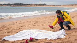 Opnieuw bijna 900 vluchtelingen en migranten gered voor Spaanse kust, voor steeds meer mensen komt alle hulp te laat