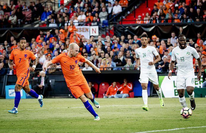 Davy Klaassen stond vorige week aan het kanon in de oefeninterland tegen Wilmots' Ivoorkust.