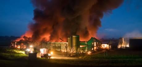 Lege kippenschuur in Wijk bij Duurstede uitgebrand