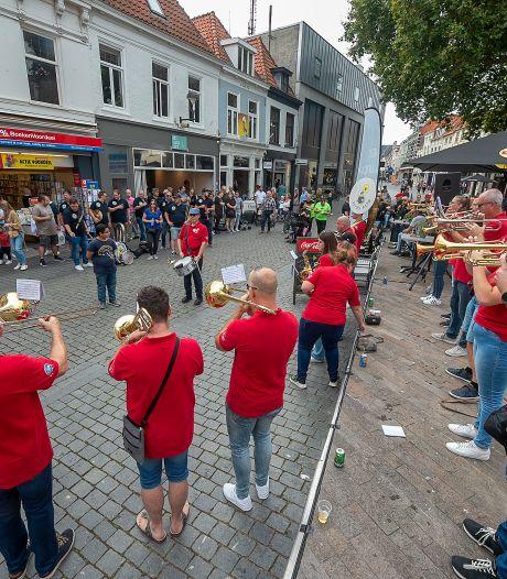 Zestiende Krabbefestival zorgt voor feest in de binnenstad: 'Zo fijn dat het weer mag'