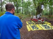 """L'endroit où l'on a retrouvé Jürgen Conings est devenu un lieu de pèlerinage : """"Le dimanche, c'est le jour des fans"""""""