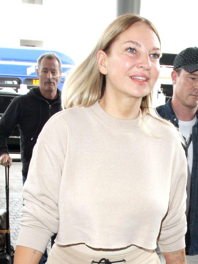 Sia in een zeldzame foto zonder pruik of masker