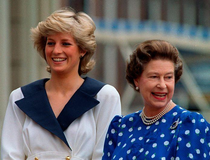 Lady Diana en de Queen in 1987