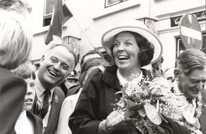 Koningin Beatrix, een jaar eerder in Amsterdam gekroond, op bezoek in Breda.