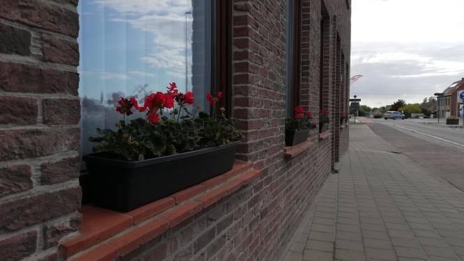 """Duinkerkestraatkermis zegt het met bloemen: """"Straatbeeld opfleuren met geraniums"""""""
