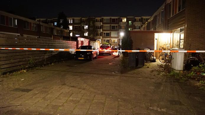 De politie zette na de vechtpartij de omgeving af in Deventer.