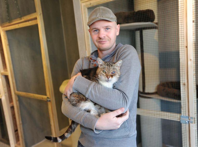 Ferry Heikoop neemt het zwerfkattenbeleid met zijn dierenopvangcentrum na Nieuwjaar over.