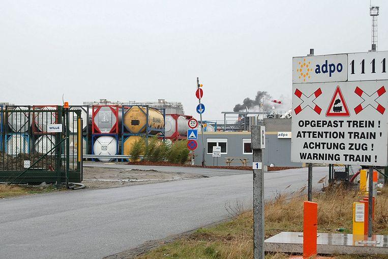 Een sevesobedrijf is een onderneming die gevaarlijke stoffen produceert, behandelt, opslaat of vervoert