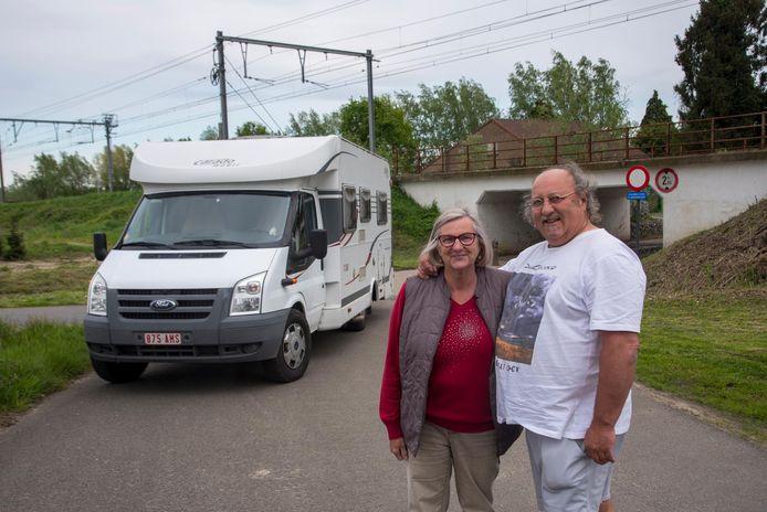Christiane en Roland wonen nog vlak naast het spoor.