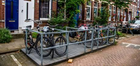 Arnhem begint proef met fietsvlonders in rijwielrijke buurten