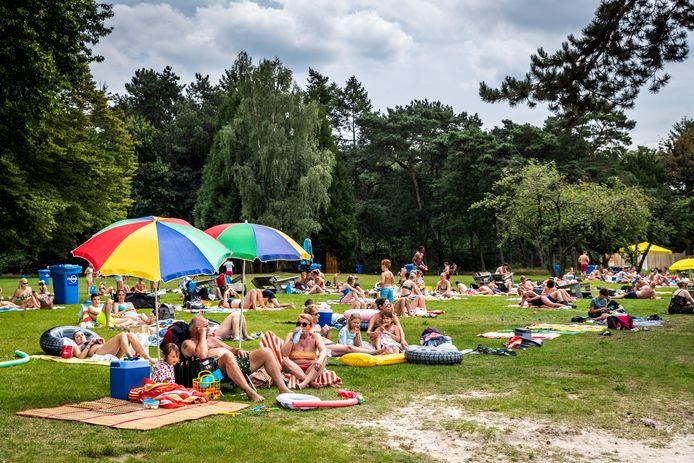 Strand bij de IJzeren Man in Eindhoven.