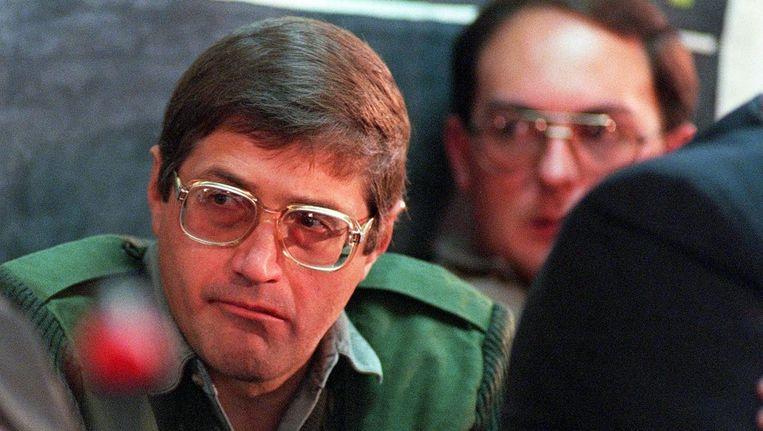 Eugene De Kock in 1998, toen hij tot twee keer levensland en 212 jaar werd veroordeeld voor 87 misdaden. Hij martelde en vermoordde tientallen tegenstanders van het apartheidsregime. Beeld afp