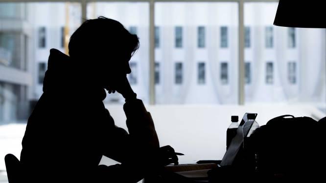 Meer jongeren aan antidepressiva tijdens tweede lockdown: 'Je krijgt ze niet zomaar'