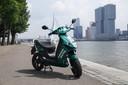 Met een app vindt de gebruiker de dichtstbijzijnde groene deelscooter van Felyx.