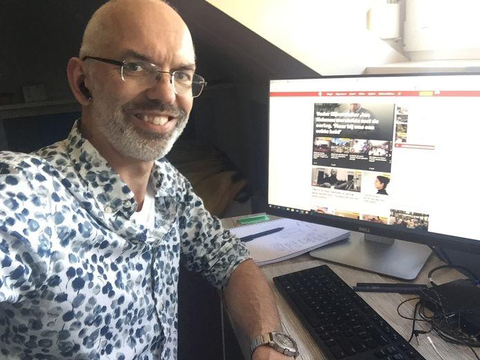 adjunct-hoofdredacteur Paul Berkhout vanuit huis aan het werk