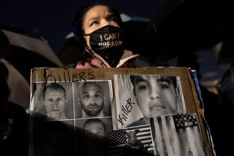 Protest tegen politiegeweld in Brooklyn Center, Minneapolis, waar het proces tegen agent Derek Chauvin plaatsvindt. Beeld AP