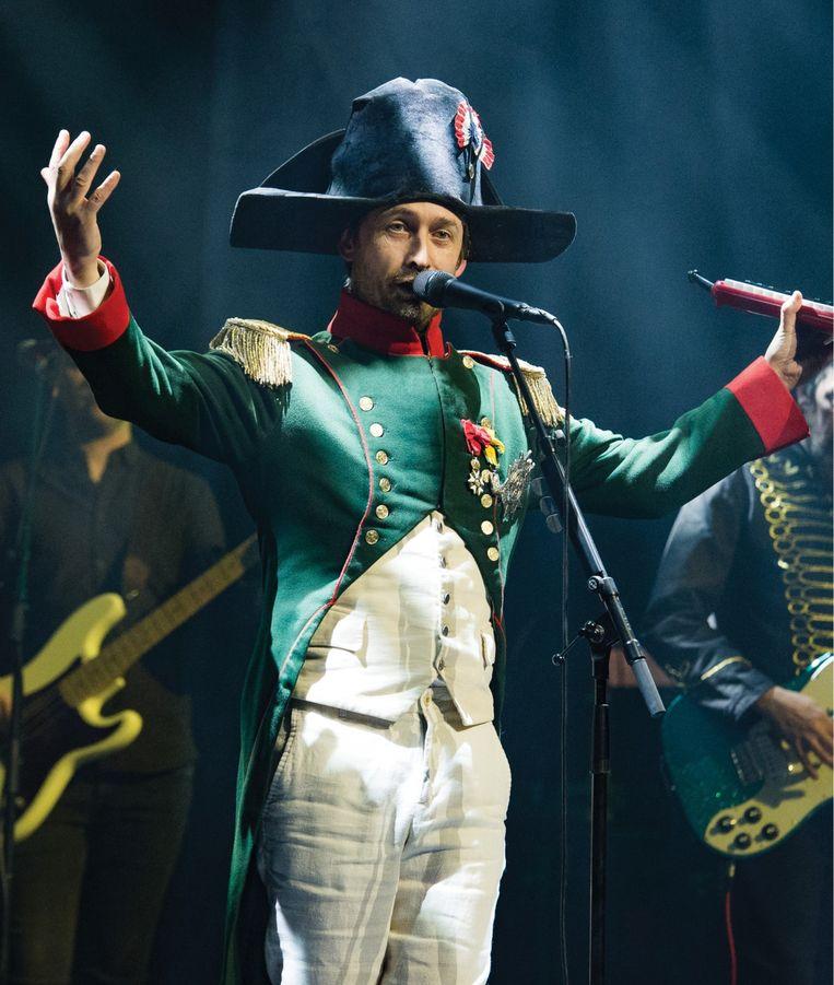 'In een Napoleon-pak optreden doet meer met een mens dan ik dacht. Ik betrapte me erop dat ik nog méér een machtsbeluste, egoïstische controlefreak was dan anders.' Beeld