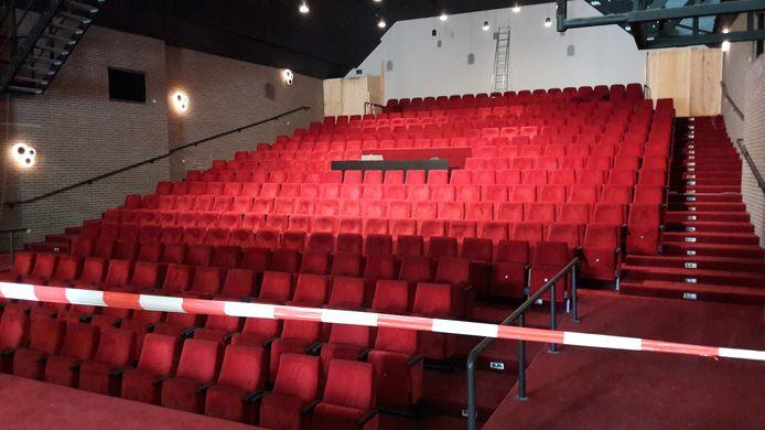 De theaterzaal van cultureel centrum De Voorste Venne in Drunen, vlak voor de opening na de renovatie in 2018