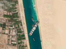 """Le porte-conteneurs """"Ever Given"""" bloquant le canal de Suez remis à 80% dans la """"bonne direction"""""""