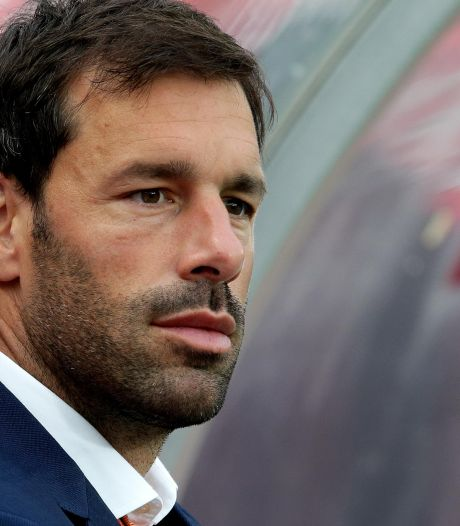 De Boer wil Van Nistelrooy snel aan staf Oranje toevoegen