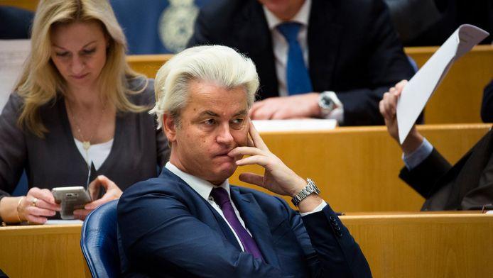 Geert Wilders en zijn PVV-fractie tijdens een vragenuur in de Tweede Kamer in april 2016.