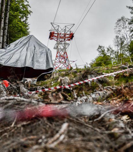Schokkende beelden tonen hoe Italiaanse kabelbaan met hoge snelheid naar beneden stort: 14 doden