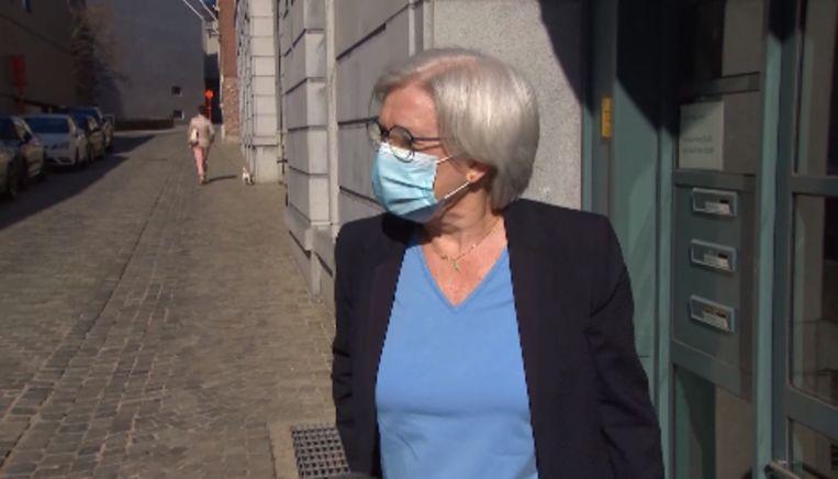 Voorlopig bewindvoerder Annemie Moens bij de rechtbank. Beeld VTM NIEUWS