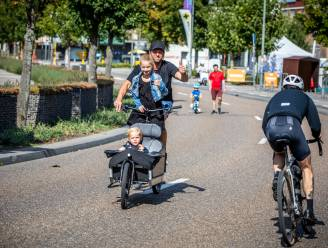 IN BEELD. Skaters en fietsers palmen Hasselt-centrum in op autoloze zondag