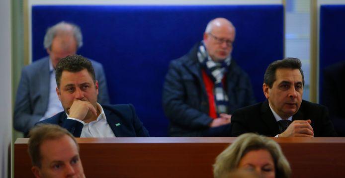 Osman Bosuguy (links)en Ahmet Polat schieten beiden met voorkeursstemmen de raad in. D66 zag het niet aankomen.