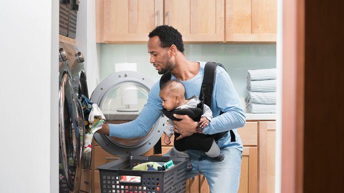 Tijdens de lockdown namen meer mannen huishoudelijke taken op zich. Vanwaar kwam die 'nieuwe man' opeens?