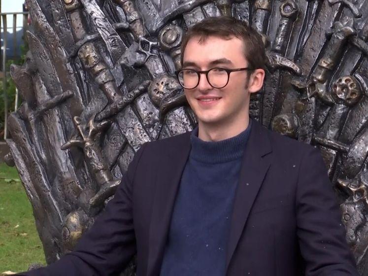 Bran Stark zit eindelijk op IJzeren Troon en onthult wat hij nu écht vindt van slot 'Game of Thrones'