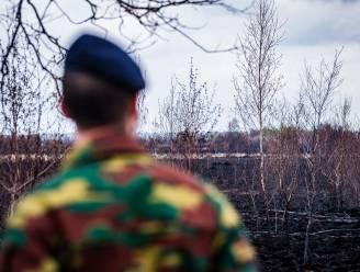 """Commissie Defensie van Kamer ondervraagt minister over brand op Groot Schietveld: """"Waarom is brandweer pas na vijftien minuten verwittigd?"""""""