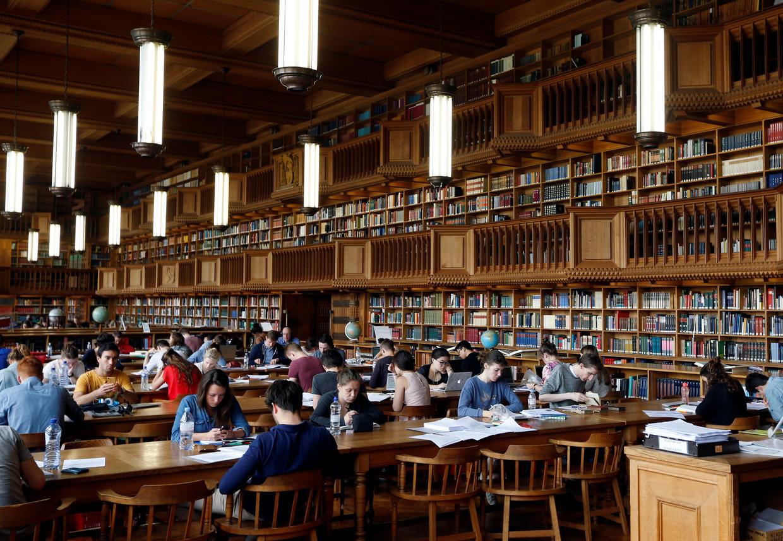 De KU Leuven-bibliotheek. De universiteiten willen hun contacten met China kritischer benaderen, zonder te vervallen in achterdocht. Beeld REUTERS