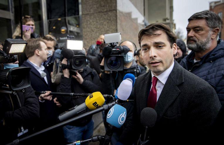 Thierry Baudet arriveert donderdagmiddag bij het Binnenhof voor een gesprek met Kamervoorzitter Khadija Arib en andere partijleiders. Beeld EPA