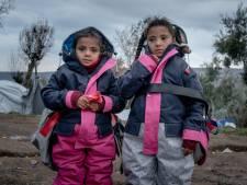 500 jonge vluchtelingen kunnen kou overleven door Twentse sheltersuits