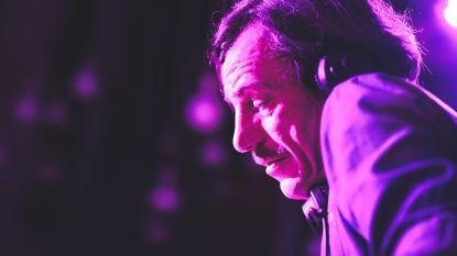 """Clubicoon DJ Smos (53) overleden na hartfalen: """"Meest innemende persoonlijkheid van het nachtleven"""""""