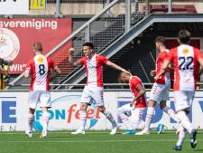 FC Emmen voorkomt met zege directe degradatie en mag blijven dromen van plek vijftien