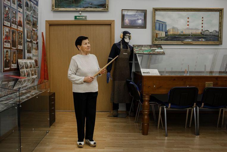 Tamara Rjabtsova werkte 65 jaar in de fabriek en is nu directeur van het museum. Beeld Emile Ducke
