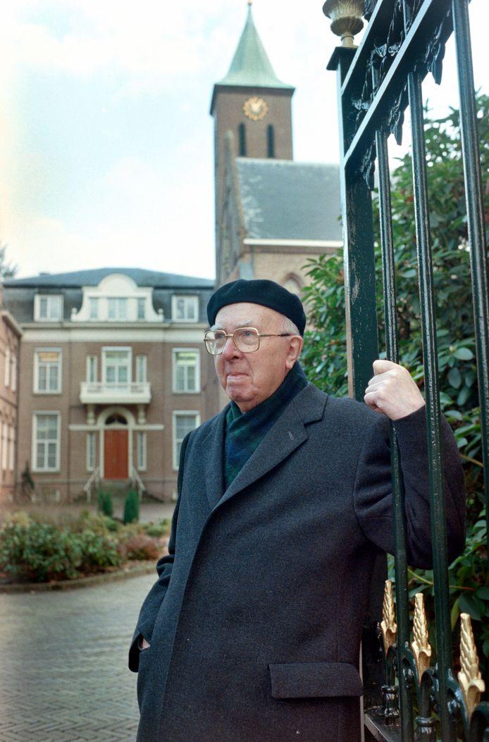 Kardinaal Willebrands in 1997 in Denekamp.