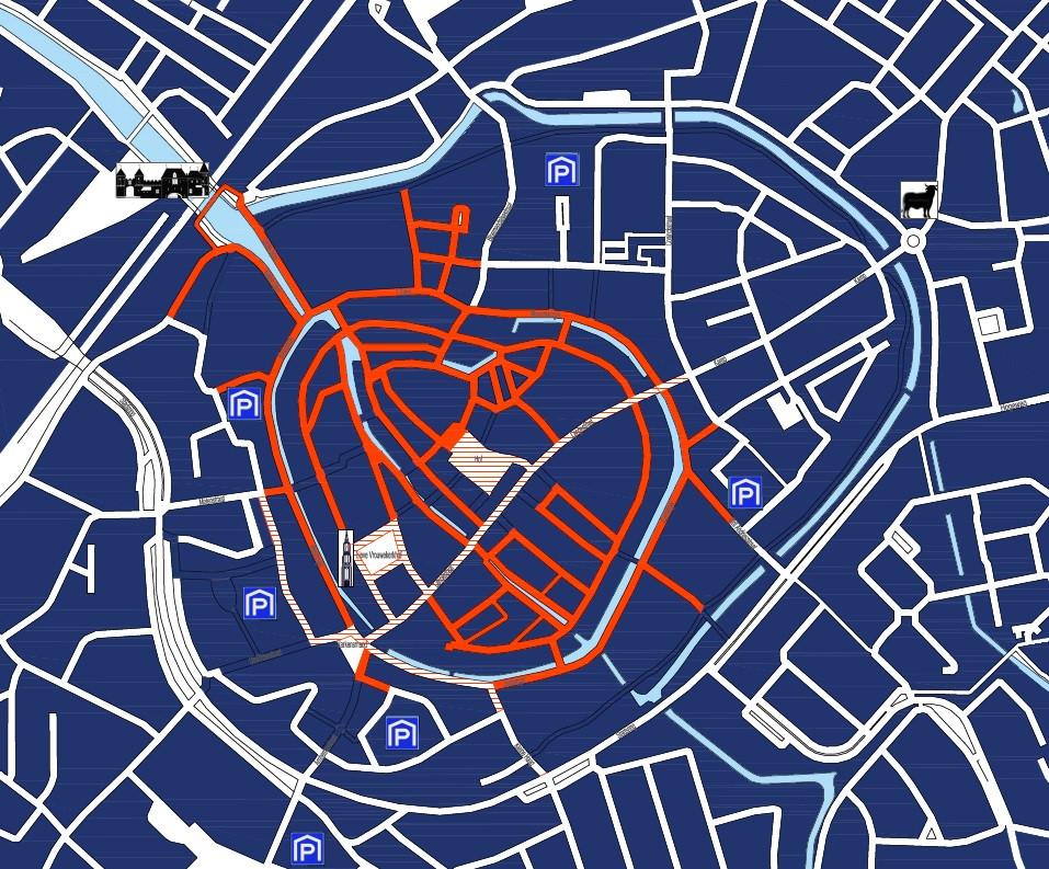 Een overzichtskaart van de nieuwe, autoluwe binnenstad: de straten die roodgekleurd zijn, zijn vanaf 4 januari met auto alleen nog met een (bezoekers)ontheffing te bereiken. In het rood en wit gearceerde gebied geldt straks het nieuwe bevoorradingsregime, waarbij duurzame vrachtwagens voorrang krijgen boven vervuilende dieseltrucks. De P'tjes duiden parkeergarages aan, waar door bewoners straks tegen een gereduceerd tarief geparkeerd kan worden.
