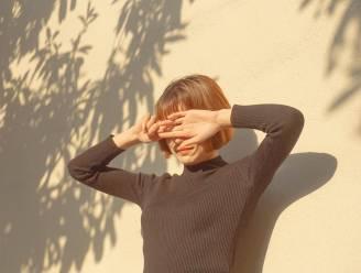 """Moeten we nu al zonnecrème smeren? Dermatologen: """"Vertrouw zeker niet alleen op dagcrème met zonnefactor"""""""