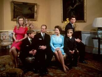 """Waarom de Queen 'verboden documentaire' over royals zo graag in de doofpot wil: """"Hun positie in de maatschappij was in gevaar"""""""