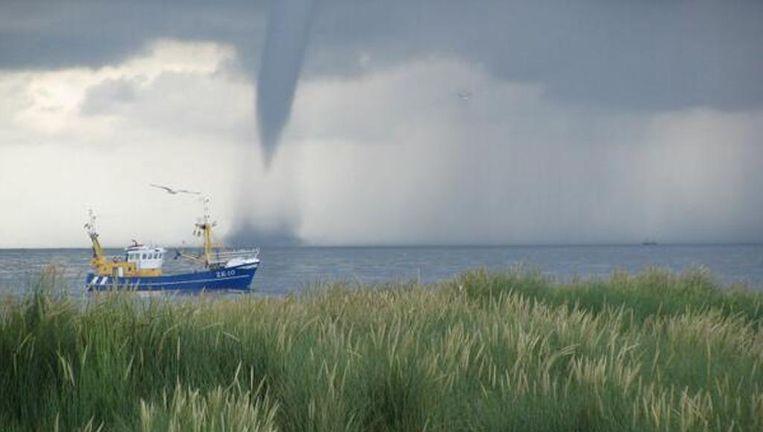Een waterhoos gezien vanaf Terschelling Beeld Arend Spijker @WoudloperArend