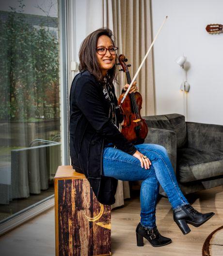 Door corona gingen concerten met Andrea Bocelli niet door, nu is violiste Hartini (39) adoptiecoach